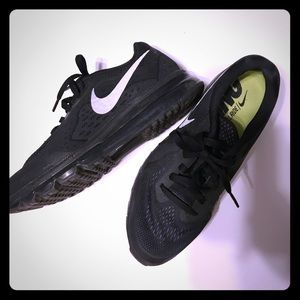 Nike Air Max Running Shoes size 9.5